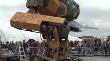 MegaBots contra Kuratas robot lucha de titanes.